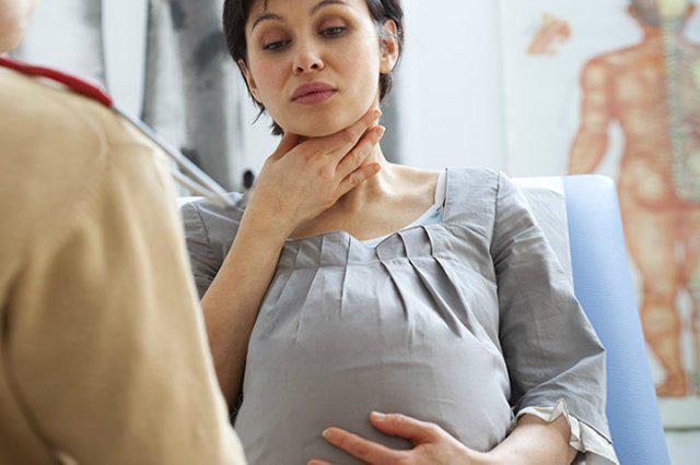 Болит горло у беременной