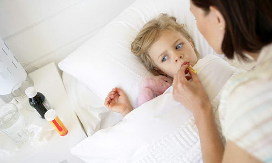 Измерение температуры у ребенка фото
