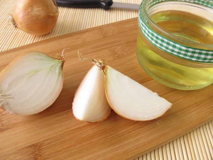Луковый сок позволяет устранить инфекции в гайморовых пазухах