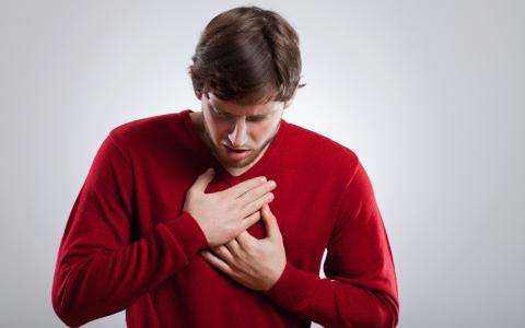 Боль за грудиной при бронхите