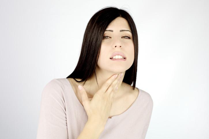 Боль в горле при везикулярном фарингите