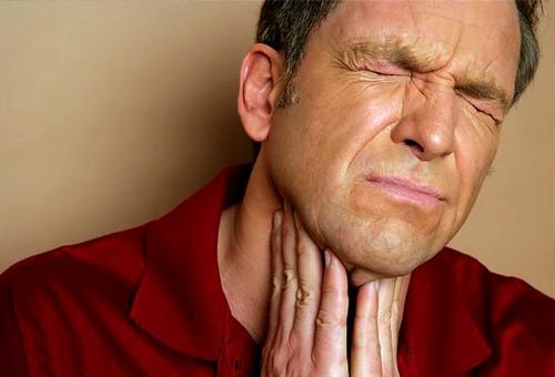 Боль в горле - признак фарингита