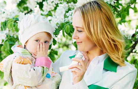 Большинство пациентов испытывают признаки астмы в детстве